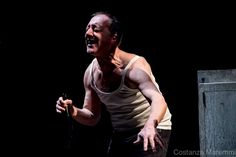 Salvatore Arena in Come un granello di sabbia, di Mana CHuma Teatro (Rc) che si aggiudica il Premio INBOX 2016. ph Costanza Maremmi