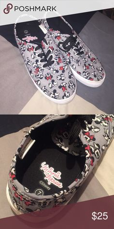 Minnie Mouse shoes Used one but in  perfect condition Minnie Mouse logo all over shoe Other