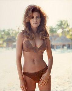 raquel-welch-bikini