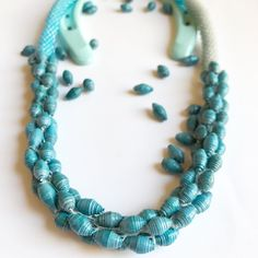 CIJ Original turquoise necklace made with bright turquoise and sky blue opaque Toho beads and dark turquoise paper beads , Made in Italy jew - €25.20 EUR