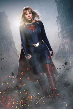 The CW reveals the first official image of Kara's new costume in Supergirl season 5 and announces Julie Gonzalo and Staz Nair as new cast members. Supergirl Season, Supergirl 2015, Supergirl And Flash, Supergirl Series, Watch Supergirl, Supergirl Superman, Melissa Marie Benoist, Batwoman, The Cw
