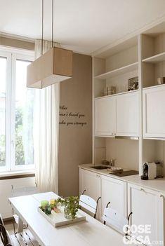 cucina-tavolo Apartment Interior, Luxury Lifestyle, Tiny House, Architecture Design, Kitchen Cabinets, Relax, House Design, Interior Design, Storage