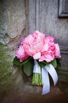 Pivoines ~ Peonies / You see these little bouquet's in Europe, placed almost anywhere, just a bit of beauty.