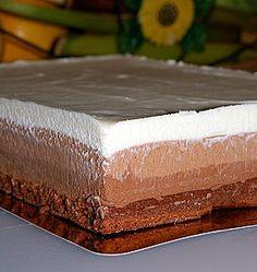 three chocolat cake, really good! Köstliche Desserts, Sweets Recipes, Wine Recipes, Delicious Desserts, Yummy Food, Easy Vanilla Cake Recipe, Chocolate Cake Recipe Easy, Chocolat Cake, Chocolate Deserts
