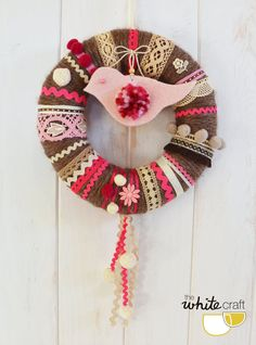 Corona de lana en tonos rosas y marrones / pink&brown wool wreath
