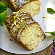 Descubre como preparar paso a paso la receta de Bizcocho de peras y limón. Te contamos los trucos para que triunfes en la cocina con Postres para chuparse los dedos