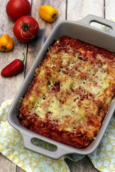"""Lasagnes au thon et tomates – Amandine Cooking Lasagnes au thon et tomates – Amandine Cooking,Lasagne Here is a """"sea"""" version of lasagna, in which the meat is replaced by tuna. Easy Dinner Recipes, Easy Meals, Broccoli, Keto Recipes, Healthy Recipes, Pasta, Food Cravings, Light Recipes, Easy Cooking"""