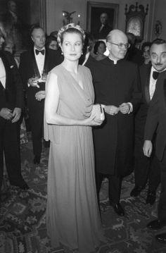 Grace Of Monaco In Pittsburgh, Pennsylvania (March 1978). graceandfamily: