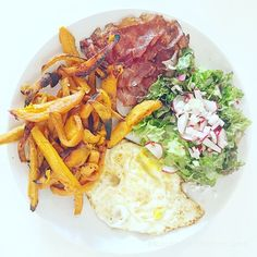 What do you eat with #sweetpotato? I love this #bacon #omlette #salad combo, because I like to alternate between #sweet and #salty!  That was my last #dinner, but for a busy day it could be a #breakfast too. Have nice day!  #nourishing #healthyfoodshare #eatclean #foodblogger #foodlover #hungry #nourishcookrecipes