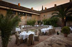 #Montaje #banquete en el #Parador de #Almagro   #rusticChic #bodas #tematicas #lugar #magico #bodas con #encanto #weddingvenue #bodatrendy #chicweddings #patio #exterior #summerweddings