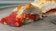 Pierś kurczaka zapiekana z pieczoną papryką i mozarellą chicken breast with roasted peppers/