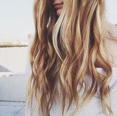 Blonde beachy waves
