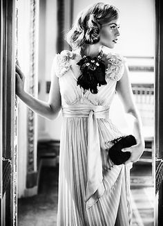 Pigiste NathalieDodon.com  #Maquillage & #Coiffure depuis 1997. Freelance #Hair and #Makeup artist #MUA. Brushes in hands since 1997. Montréal,Qc,Canada © JulienFaugere.com Photographe model Audrey folio models montreal_P28