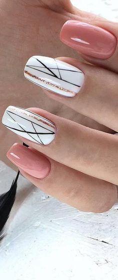 Zu süße rosa Nägel mit Blumen und Glitzernagelkunst. Perfekt für den Sommer #nailart #nailswag #nailstagram  Beauty Home   Nägel #Nagel