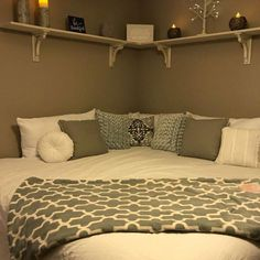 15 Bedroom Ideas For Small Rooms 2019 Corner Bed Design Pictures Remodel Decor and Ideas. I think i like this idea for a child's room. The post 15 Bedroom Ideas For Small Rooms 2019 appeared first on Bedroom ideas. Room Ideas Bedroom, Small Room Bedroom, Child's Room, Cozy Bedroom, Bedroom Corner, Master Bedroom, Bedroom Layouts For Small Rooms, Tiny Girls Bedroom, Teen Bed Room Ideas