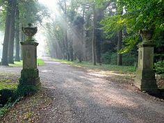 Free Image on Pixabay - Mataram Manor, Dalfsen, Entry Outdoor Garden Decor, Garden Decor Items, Benefits Of Gardening, Photos Hd, Diy Planters, Cheap Travel, Vacation Trips, Free Pictures, Beautiful Gardens