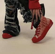 Dr Shoes, Swag Shoes, Hype Shoes, Me Too Shoes, Shoes Heels, Billie Eilish, Aesthetic Shoes, Aesthetic Clothes, Aesthetic Grunge