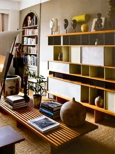 Collection of Shapes amongst a Charlotte Perriand Bookcase Charlotte Perriand, Vintage Furniture, Home Furniture, Furniture Design, Interior Architecture, Interior And Exterior, Interior Design, My Living Room, Home And Living