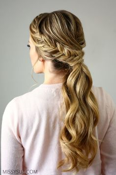To long side ponytail, braided ponytail, low ponytail, messy ponytails. Basically ponytails are being seeing everywhere as a style statement. Cute Ponytail Hairstyles, Cute Ponytails, Spring Hairstyles, Cool Hairstyles, Hairstyle Ideas, Fishtail Ponytail, Twisted Braid, Christmas Hairstyles, Formal Ponytail