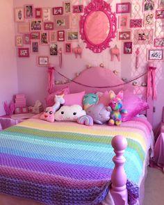 Habitación con decoración en rosa para adolescente o niñas
