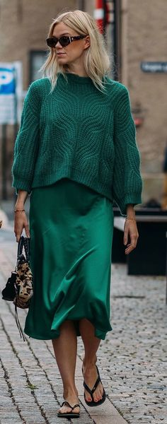 Oslo Fashion Week S/S 2019 street style - Winter Outfits Casual Dress Outfits, Mode Outfits, Trendy Dresses, Denim Outfit, Green Dress Outfit, Fashion Week 2018, Fashion Mode, Style Fashion, Womens Fashion Online