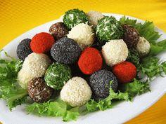 Moha Konyha: Színes sajtgolyók Creative Food, Ricotta, Cobb Salad, Food And Drink, Eggs, Baking, Vegetables, Breakfast, Party