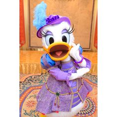 Disney Parks, Walt Disney, Disney World Halloween, Duck Costumes, Disney Characters Costumes, Daisy Duck, Mickey And Friends, Disney Wallpaper, Disney Pictures