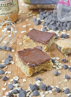 Oatmeal Energy Bars | #Healthy #Vegetarian #Egg #Bake #Desserts #Snacks #Breakfast #Oatmeal #WholeGrain #Portable #NutButter #PeanutButter #Oil #Chocolate #ChocolateChips #DIY #Homemade #ToMake