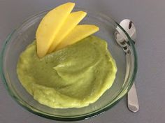 Avokádovo-banánovo-mangový puding bez vaření Custard, Guacamole, Mousse, Yogurt, Mexican, Manga, Puddings, Ethnic Recipes, Food