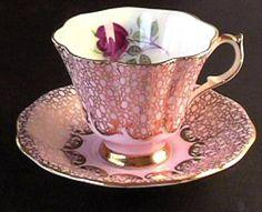 Antique Tea Cups, Vintage Cups, Vintage China, Teapots And Cups, China Tea Cups, My Cup Of Tea, Tea Service, Chocolate Pots, Teller