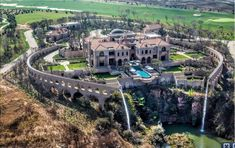 Palazzo Steyn: At R250m, the most expensive house in South Africa pic.twitter.com/GpSm7Q0zCC