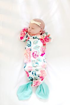 Mermaid Baby Gown Tutorial + Owlet Smart Sock Promo (OMG, so cute. just need a baby girl to sew this for) Baby Sewing Projects, Sewing For Kids, Free Sewing, Sewing Tips, Sewing Hacks, Bebe Love, Diy Bebe, Foto Baby, Baby Mermaid