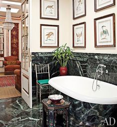 When it comes to temporary design solutions, rental dwellers are gravitating towards faux wall coverings like stick-on subway tiles. A faux-marble tub decorates this São Paulo bath by architect Jorge Elias. Architectural Digest, Jorge Elias, Faux Walls, Neoclassical Interior, Classic Baths, Pinterest Home, Bathroom Design Luxury, Bathroom Designs, Bathroom Ideas