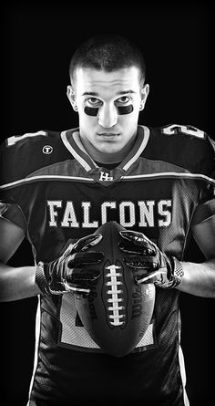 Football is a wonderfully addictive sport. If you've always wondered why people go so crazy for football, continue reading to learn more. Find out why football is so popular by reading this article. Football Senior Photos, Football Poses, Football Cheer, Senior Pictures Boys, Team Pictures, Football Pictures, Team Photos, Sports Pictures, Boy Senior Portraits