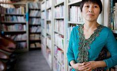 Una limpiadora triunfa con su autobiografía, leída por miles de chinos en una semana