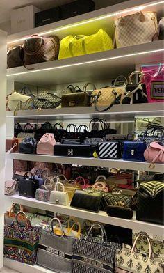 Luxury Purses, Luxury Bags, Best Handbags, Purses And Handbags, Bag Closet, Luxury Closet, Looks Chic, Cute Bags, Luxury Life