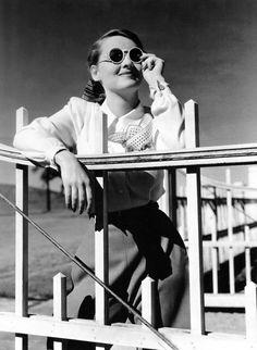 Bette Davis, 1930s  (Source: nexiv, via thenormadesmond