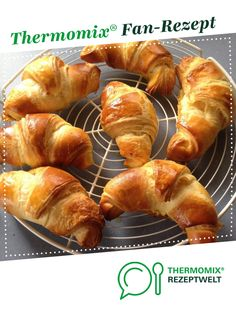 croissants from hareife. A Thermomix ® recipe from the category baking sweet www.de, the Thermomix ® community. Easy Cooking, Healthy Cooking, Cooking Tips, Croissants, Easy Desserts For Kids, Acid Reflux Recipes, Croissant Recipe, Cooking For Beginners, Christmas Cooking