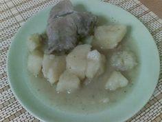 Χοιρινό λεμονάτο με πατάτες στην κατσαρόλα - συνταγή - Μια εύκολη συνταγή για χοιρινό κρέας που είμαι σίγουρη ότι θα την απολαύσετε.