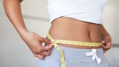 The Belly Slimdown Plan: Weight-loss expert Kellyann Petrucci shows you how to tackle stubborn belly fat in less than two weeks. Drop Weight Fast, How To Lose Weight Fast, Reduce Weight, Stubborn Belly Fat, Lose Belly Fat, Egg Diet Losing Weight, Double Menton, Flatter Stomach, Boiled Egg Diet
