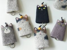Wonderful Pics Key Hanger cat Popular Misplacing your keys is one of the most frustrating experiences. You seem to get rid of them at the Wet Felting, Needle Felting, Cat Crafts, Diy And Crafts, Fabric Crafts, Sewing Crafts, Key Covers, Felt Cat, Cat Doll