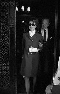 Jackie leaving NYC for California after RFK was shot, June 1968