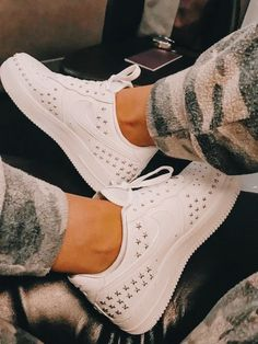 Dream Shoes, Crazy Shoes, Nike Air Force 1 Outfit, Pretty Shoes, Cute Shoes, Me Too Shoes, Holy Chic, Star Shoes, I Love Fashion