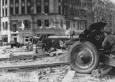 Russian artillery in Berlin 1945