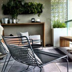 Hee Lounge Chair - Hay https://www.livingdesign.be/nl/producten/meubelen/stoelen/hee-lounge-chair-hay-heelowi