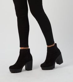 PEYTON Chunky Heel Biker Style Chelsea Ankle Boots in Black ...