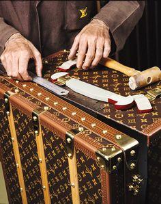Cómo se fabrica un Baúl de Louis Vuitton?