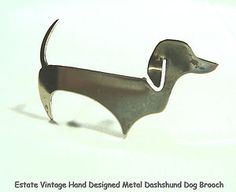 ESTATE BROOCH HAND DESIGNED SILVER-TONE METAL DACHSHUND DOG PIN VINTAGE JEWELRY...