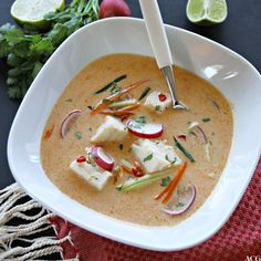 Thai fiskesuppe - Enestående MatEnestående Mat Fish Dishes, Thai Red Curry, Squash, Good Food, Food And Drink, Healthy Recipes, Dinner, Ethnic Recipes, Danish