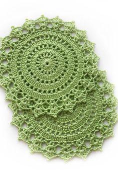Apple green decorative doilies, Green home decor, Crocheted coasters,  #Apple #Coasters #Crocheted #Decor #Decorative #Doilies #Green #Home #homedecorationgreen